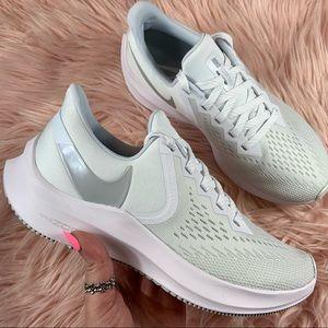 New Nike Women's Zoom Winflo 6
